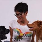 Camille avec ses chiennes Cerise et Miette